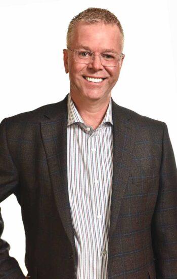 Dr Peter Manzer | North Calgary Dentist | Sandstone Dental